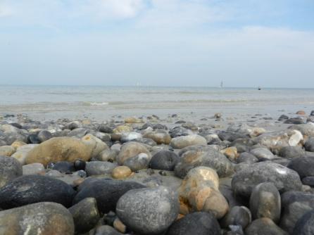 vuursteenknollen op het strand nabij Calais